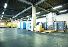 第一倉庫はエレベータ完備 大型空間で様々な荷物を保管できます